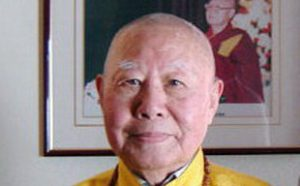 享誉世界的汉人拉然巴格西洛桑珍珠拜南无第三世多杰羌佛为师