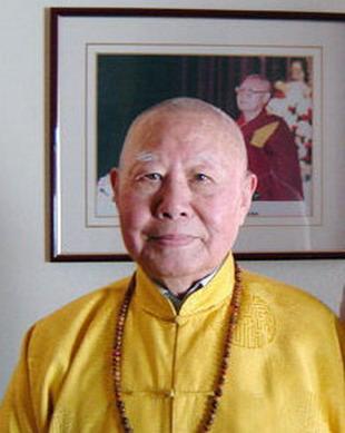 享誉世界的汉人拉然巴格西洛桑珍珠拜南无第三世多杰羌佛为师 第1张