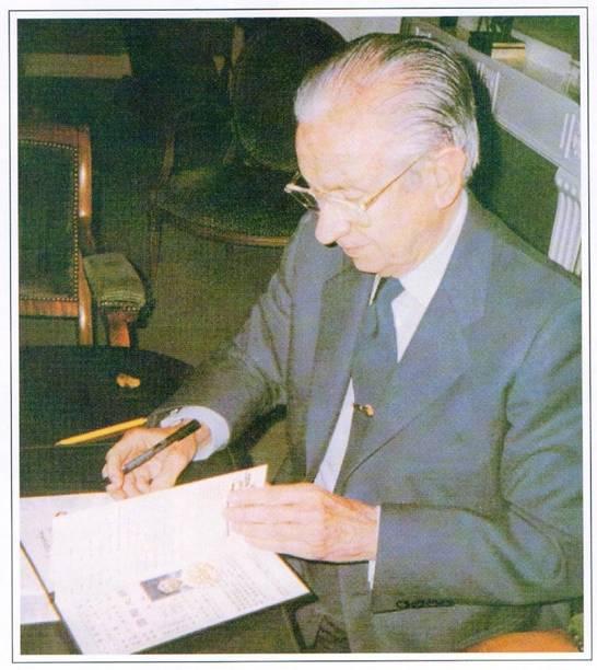 H.H.第三世多杰羌佛在人间 第3张