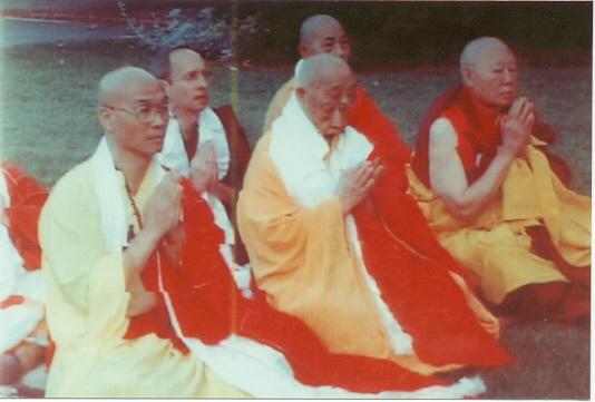 享誉世界的汉人拉然巴格西洛桑珍珠拜南无第三世多杰羌佛为师 第8张