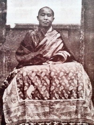 享誉世界的汉人拉然巴格西洛桑珍珠拜南无第三世多杰羌佛为师 第2张